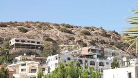 Hus på bergen i Cypern stock video