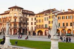 Hus på den Prato dellaen Valle i Padua, Italien Fotografering för Bildbyråer