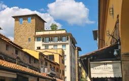 Hus på gatan av den forntida Florence Arkivfoto