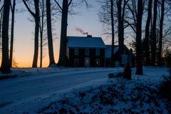 Hus på gryning Arkivbild