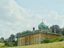 Hus på landskapet royaltyfria bilder
