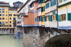 Hus på pontevecchio i den Florence staden i höst Royaltyfria Bilder