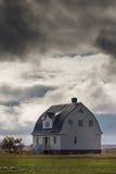 Hus på sjön Myvatn i nordvästliga Island Royaltyfria Foton