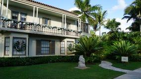 Hus på Ann Nortorn Sculpture Gardens, West Palm Beach, Florida Arkivbilder