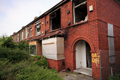 Hus som är förstört vid brand Royaltyfri Foto
