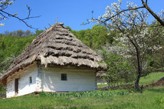 hus traditionella ukraine Arkivbilder
