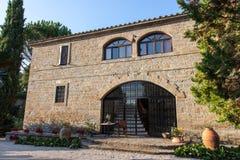 hus typiska tuscan Royaltyfria Bilder
