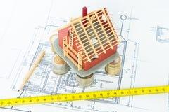 Arkitekten planlägger det nya huset Arkivfoton