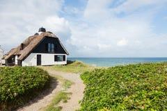 Hus vid havet arkivfoton