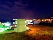 Hus vid natt Fotografering för Bildbyråer