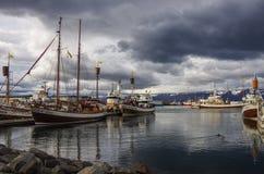 HUSAVIK, ICELAND - august 25, 2014: Husavik jest miasteczkiem na nor obraz stock