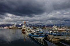 HUSAVIK, ISLAND - 25. August 2014: Husavik ist eine Stadt auf noch Lizenzfreie Stockbilder