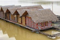 Husbåt- och flotteburar Fotografering för Bildbyråer