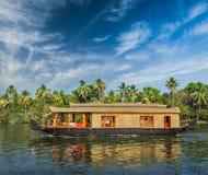 Husbåt på Kerala avkrokar, Indien Royaltyfri Fotografi