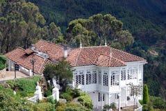 Huse Dach der roten Fliese Lizenzfreies Stockfoto