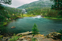 Husedalen - долина водопадов Норвегии гигантско стоковое фото rf