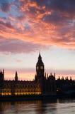 Häuser des Parlaments an Sonnenuntergang, P Stockbild