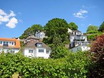 Häuser in Hamburg Blankenese Stockfoto