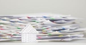 Huset har suddighetsöverbelastning att förväxla dokumentet av kvittotidschackningsperioden stock video