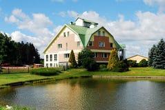 Huset i Grutasen parkerar nära den Druskininkai staden Fotografering för Bildbyråer