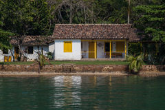 Huset i strand av Saco gör Mamangua - Rio de Janeiro Royaltyfria Foton