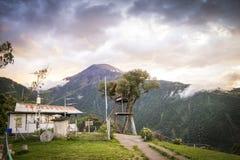 Huset i trädet i Baños, Ecuador Fotografering för Bildbyråer