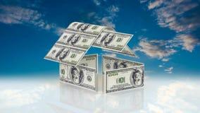 Huset utgöras av kontanta räkningar, begreppet av att investera i konstruktion, pengarkostnader för konstruktion stock video