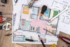 Husplan med funktionsdugliga hjälpmedel Arkivfoton