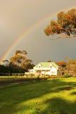 husregnbåge arkivfoton