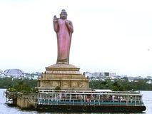 Hussain Sagar Lake com opinião da estátua da Buda de Hyderabad - Hyderabad, Índia fotografia de stock