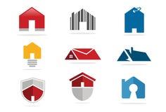 Hussymbol och fastighetlogo Royaltyfri Foto