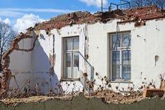 Husvägg under rivning Fotografering för Bildbyråer