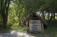 Hut in de groene tuin Royalty-vrije Stock Afbeeldingen