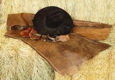 Hut, Handschuhe und Sporne Lizenzfreies Stockbild