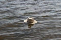 Hut im Wasser. Lizenzfreie Stockfotos