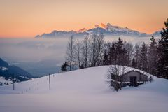 Hut lost in the mountain Royalty Free Stock Image