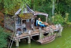 Hut op het meer. tentoonstelling. royalty-vrije stock foto's
