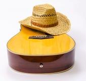 Hut u. Gitarre lizenzfreies stockbild