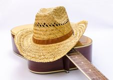 Hut u. Gitarre lizenzfreie stockfotografie