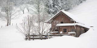 hut in wintertime Royalty Free Stock Photos