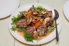 Hutspotrundvlees met paddestoelen en peper Royalty-vrije Stock Foto's
