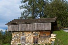 Hutte abandonnée de montagne Photo stock