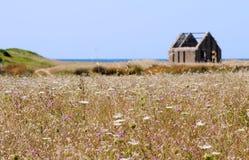 hutte abandonnée de pêcheur photographie stock libre de droits