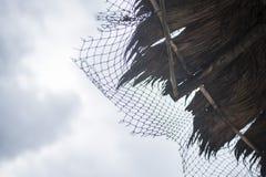 Hutte contre le ciel Photos stock