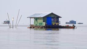 Hutte dans l'eau, sève de Tonle, Cambodge Photos stock