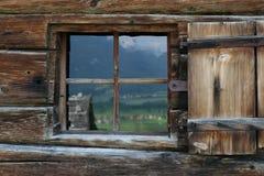 Hutte dans les alpes Photo stock
