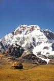 Hutte dans les montagnes Photo stock