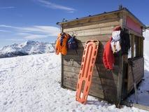 Hutte de délivrance sur la montagne Photographie stock