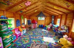 Hutte de jardin pour des enfants Photographie stock