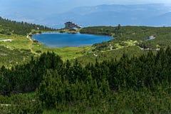 Hutte de lac Bezbog et de Bezbog, montagne de Pirin Photo libre de droits